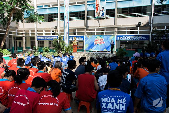 Buổi lễ khai mạc ngày hội tại trường THCS Nguyễn Tri Phương, Quận 10